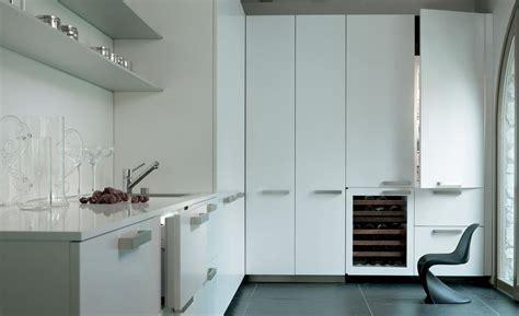 designer    refrigeratorfreezer  ice maker  internal dispenser