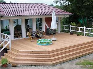 Schöne Terrassen Ideen : terasse holz bauernhaus balkon mit geschlossenem gel nder auf einem bauernhof terrasse ~ Orissabook.com Haus und Dekorationen