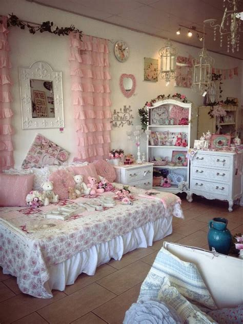 pink shabby chic bedroom 1143 best shabby chic images on pinterest shabby chic 16754 | 6d2ae214e952b80f6b4edd5153efc7e8 pink bedrooms vintage pink