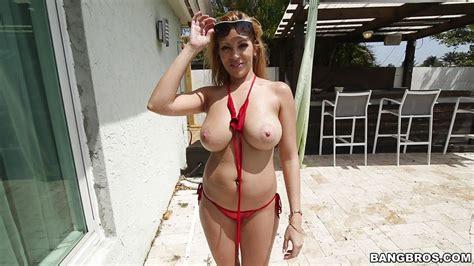 Sexy Jazmyn Gets Seduced Hd From Bangbros Big Tits