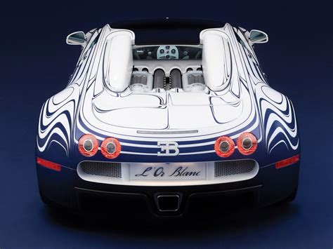 Bugatti displayed a concept car called the eb 18/4 veyron which outlined the basic shape for future versions. 15 lat temu do produkcji weszło Bugatti Veyron - najszybsze auto świata