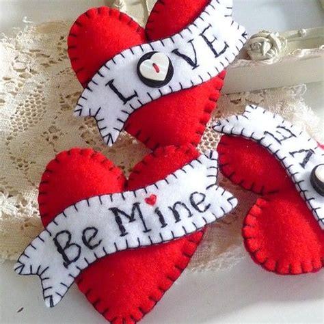 felt hearts valentines diy felt brooch
