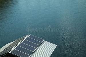 Auf Dem Dach : sonnenkollektoren auf dem dach stockbild bild von elektrisch system 84420255 ~ Frokenaadalensverden.com Haus und Dekorationen
