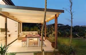 schlafzimmer mediterran einrichten überdachte terrasse moderne terrasseneinrichtung freshouse