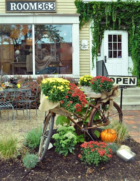 Great For Fall Decor Mums Bicycle Basket Diy