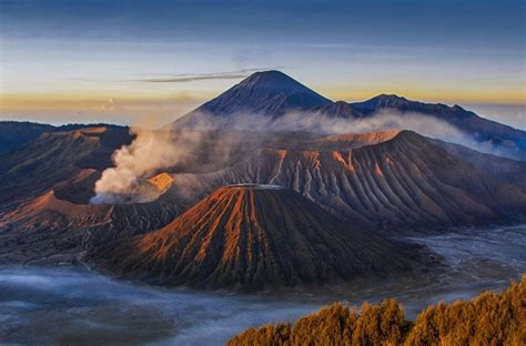 nikmati sunrise  sunset  gunung bromo pesona indonesia
