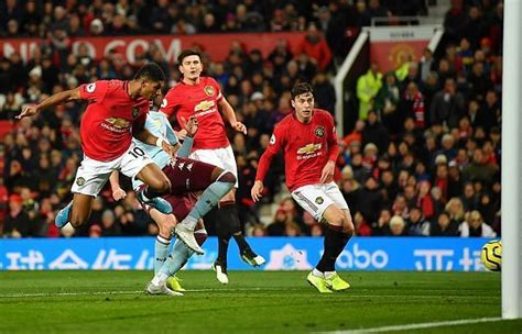 Page 2 - Manchester United 2-2 Aston Villa: 3 reasons why ...