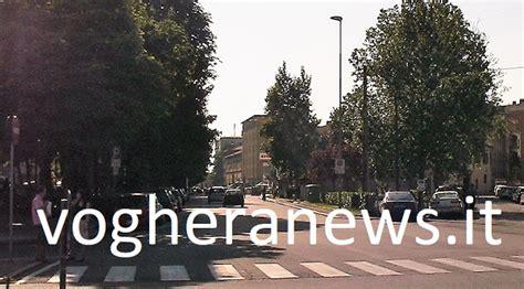 viale matteotti pavia pavia 03 05 2018 di ragazzi assalta il carrefour