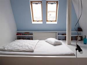 Farben Für Kleine Räume Mit Dachschräge : schalfzimmer im dachgeschoss modern schlafzimmer ~ Articles-book.com Haus und Dekorationen