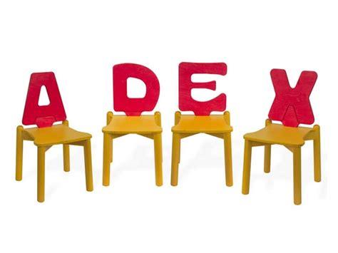Sedie Per Bambini Design : Sedie Per L'infanzia, Schienale A Forma Di Lettera Dell