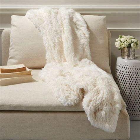 plaid canapé angle le plaid fausse fourrure confort pour vous et style