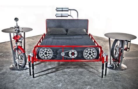 Motorcycle-themed Custom Bed 'duc 996' Built From Ducati