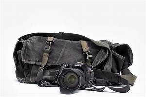 Choosing the best dslr camera bag for travel and outdoor for Wedding photographer camera bag