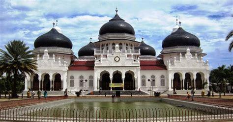 masjid raya baiturrahman saksi sejarah  banda aceh aceh