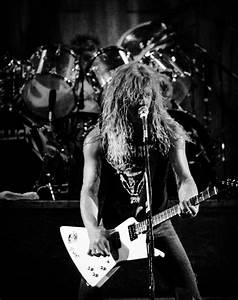 1000+ ideas about Metallica Live on Pinterest | James ...