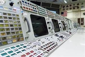 NASA's original flight director calls agency's direction a ...
