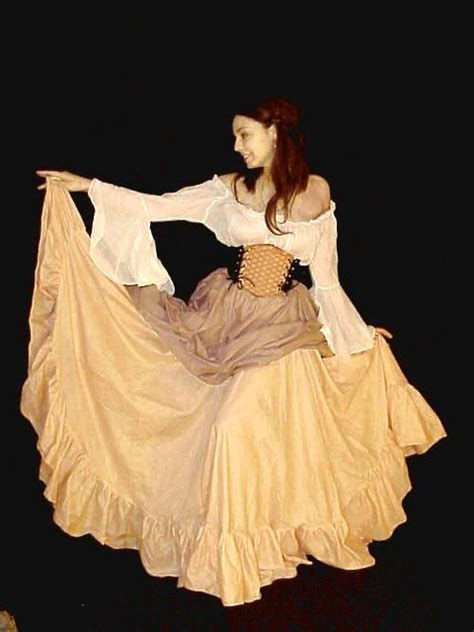 Medieval Renaissance Pirate Wench Costume