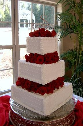homemade wedding cakes with fresh flowers wedding