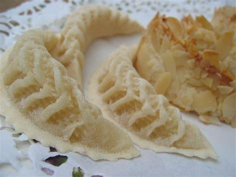 corne cuisine cornes de gazelle recette de tradition orale quot kaab ghzal quot impasse des pas perdus