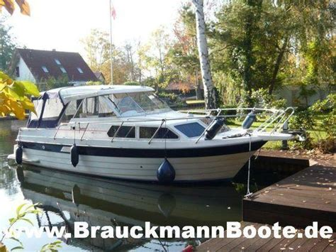 Motorboot Inter 9000 by Inter 9000 Nore Line Brick7 Boote