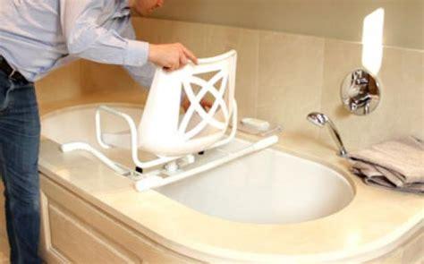 amenagement baignoire pour personne agee a qui s adresser pour adapter ma salle de bain vivre en aidant