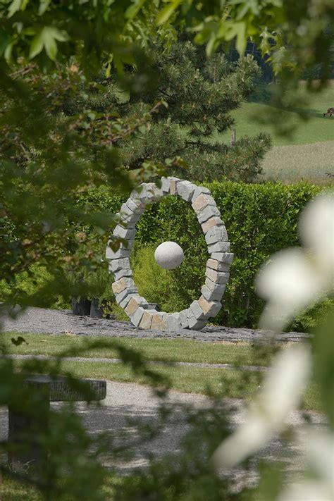 Holzskulpturen Für Den Garten by Gartenskulpturen Und Kunst F 252 R Den Garten ǀ Egli Gartenbau
