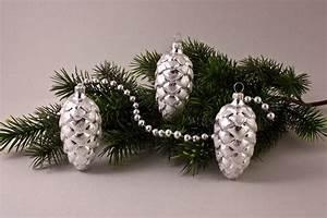 Weihnachtskugeln Aus Lauscha : 3 tannenzapfen 6 cm mit silberglitter christbaumkugeln ~ Orissabook.com Haus und Dekorationen