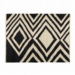 tapis ethnique en jute noir et ecru 140x200cm blosia With tapis ethnique avec achat coussin canapé