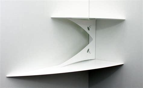poser sa cuisine etagère d 39 angle murale blanche design moderne fixation invisible