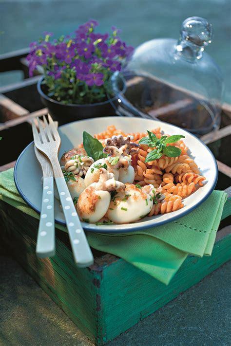 recette salade de p 226 tes au pesto de poivron et petites seiches