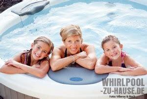 Whirlpool Garten Betriebskosten by Hotspring Whirlpools