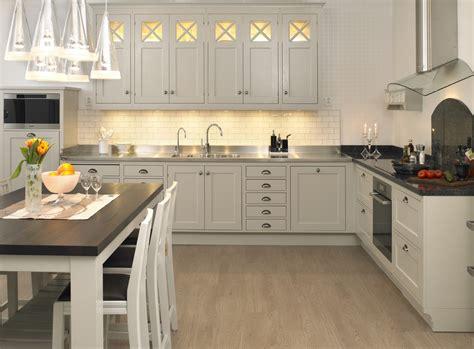 Under Kitchen Cabinet Lighting Ideas - ingenious kitchen cabinet lighting solutions