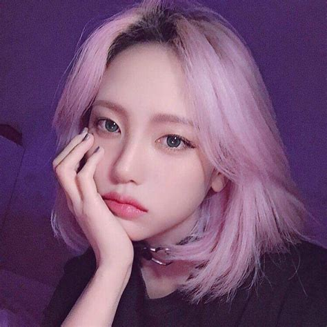 Pink Hair In 2019 Girl With Purple Hair Ulzzang Girl