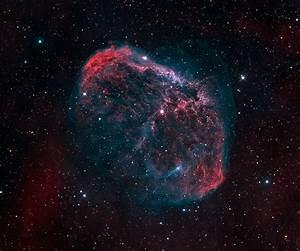 APOD: 2016 June 10 - NGC 6888: The Crescent Nebula