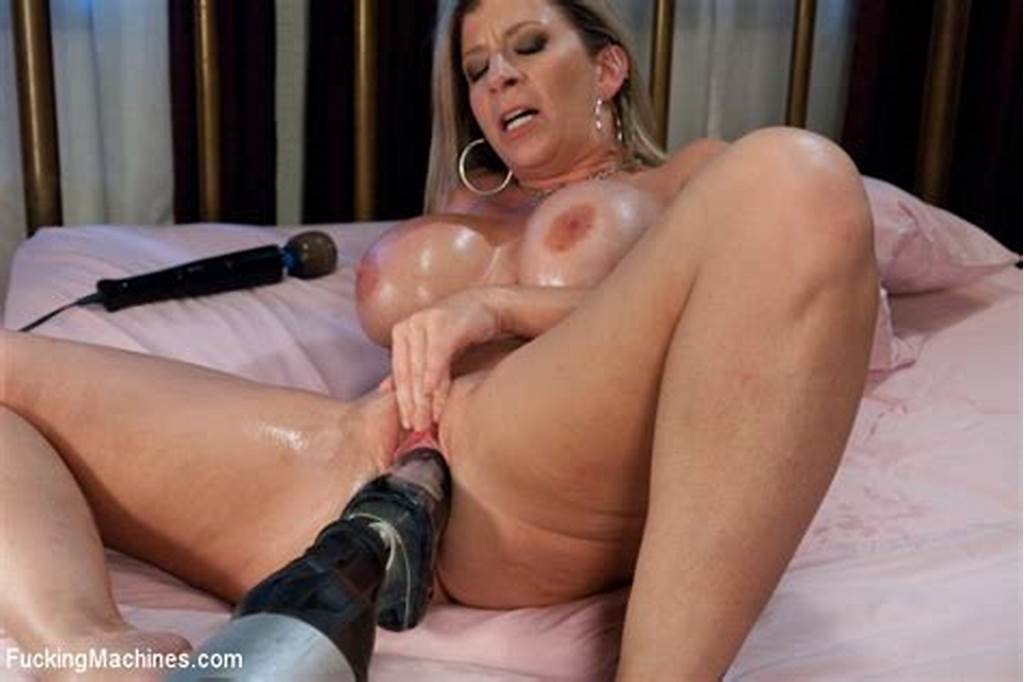 #Sara #Jay #In #Fuckingmachines #An #Ass #That #You #Want #To #Bury