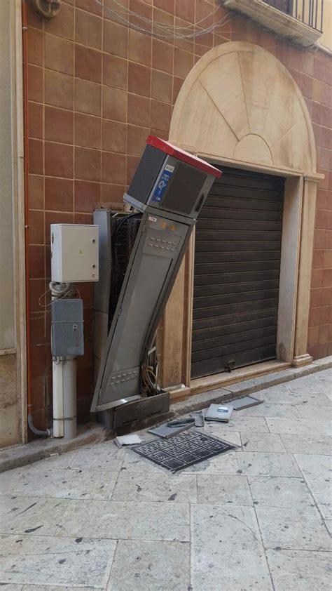 cabine telecom devastata la cabina della tim telecom in via curatolo a