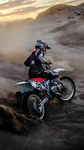Motocross-mudding-iphone-wallpaper
