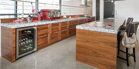 cuisine contemporaine design noyer cuisine bois quartz