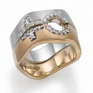 Where Do Lesbian Wear Lesbian Wedding Rings