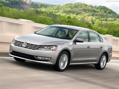 Volkswagen Passat [US] (2012) - picture 2 of 67 - 800x600