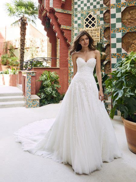 strapless sweetheart   lace  tulle wedding dress