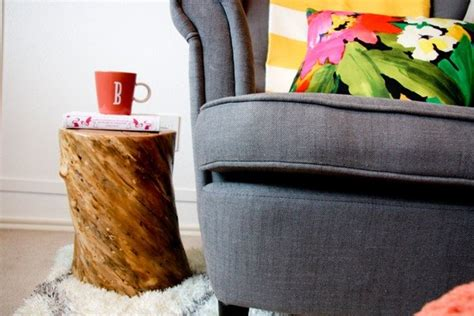 31 Rustic Diy Home Decor Projects: DIY Tree Stump Side Table