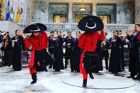 Celebrating Cinco de Mayo with Mariachi Music - Give A ...