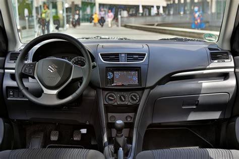 Suzuki Swift Blackwhite Soundstarke Coolness Für Die