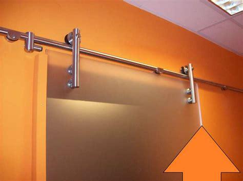 Trockenbauwand Mit Tür. Trockenbauwand Mit Gipskartonplatten Errichten. Estrich Mindestdicke