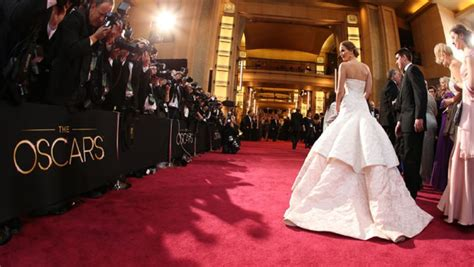 Oscars Red Carpet Battle Lines Drawn Over Sexism