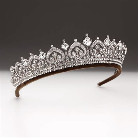 large  row palmette scroll  square tiara andrew
