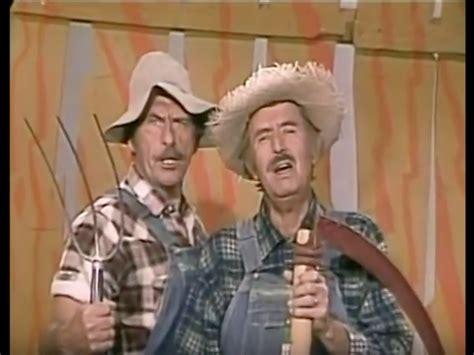 Hee Haw Actor Gordie Tapp Dies At 94 Sounds Like Nashville
