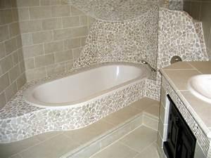 Badezimmer Fliesen Ideen Mosaik : bad mit mosaikfliesen 34 interessante ideen ~ Watch28wear.com Haus und Dekorationen