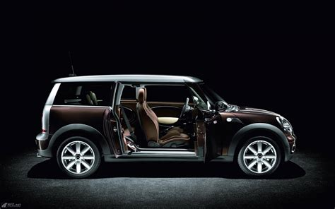 Mini Cooper Clubman Backgrounds by Mini Clubman 2017 Hd Wallpapers